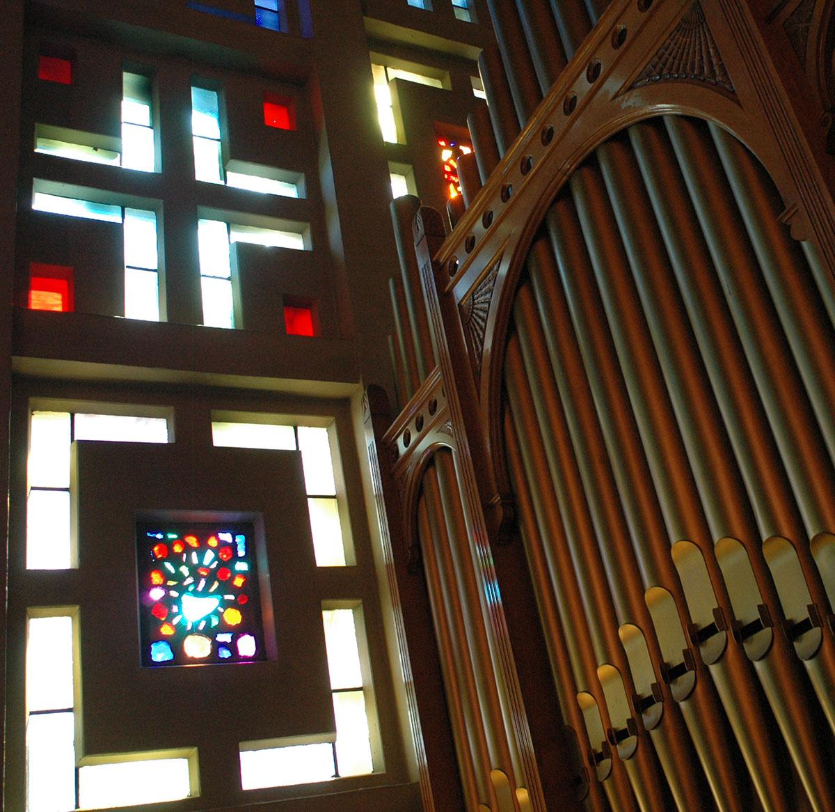 Holy Names University Campus Ministry organ