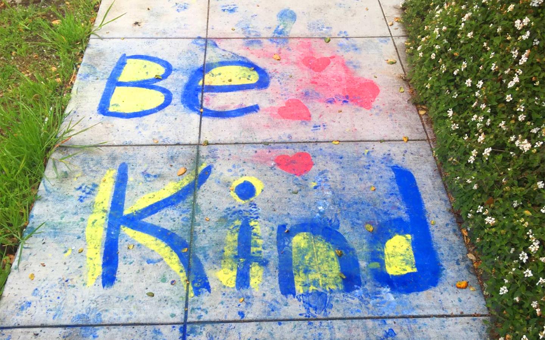 Be kind written in chalk